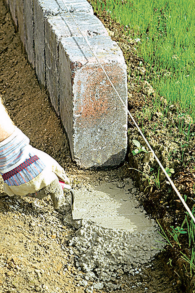 Rasenkantensteine setzen