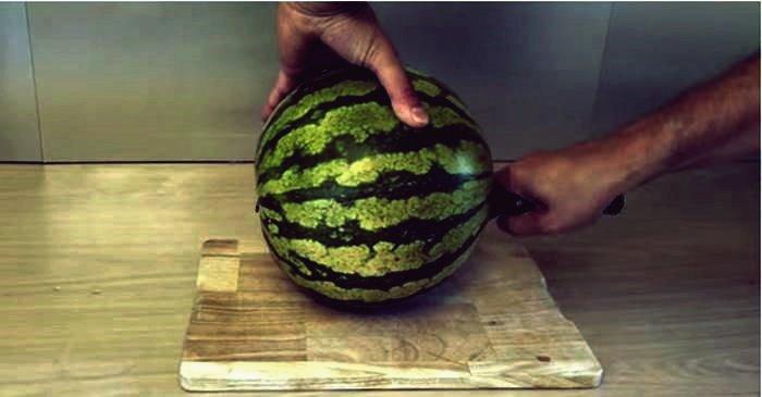 Kreative Ideen - Wie man Wassermelonen auf einfache und unterhaltsame Weise schneidet