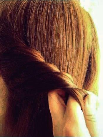 Wie DIY schöne geflochtene Frisur